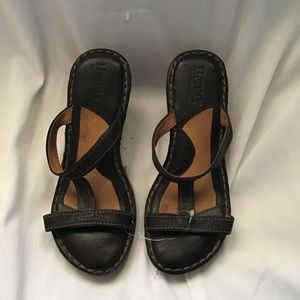 Born sandals leather woven side damaged brown sz 7